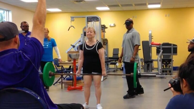 Florida woman becomes world's oldest competitive powerlifter